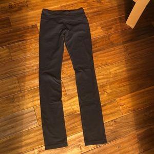 Black Lululemon Leggings - Full Length Mid Rise